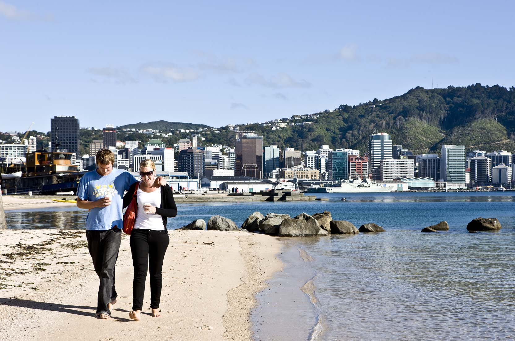 oriental_bay_beach_wellington_nz_photo_nicola_edmonds