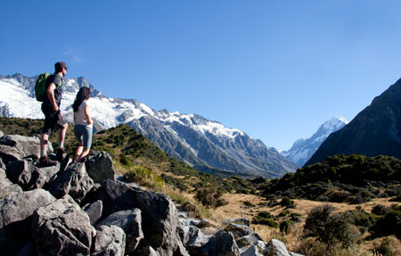 view_to_aoraki_mount_cook_from_the_alpine_memorial_hooker_valley